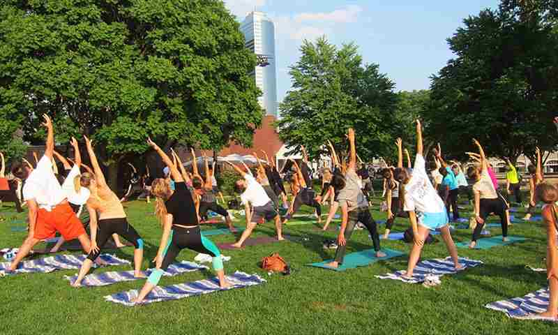 Sunset Yoga in New York on 23 May