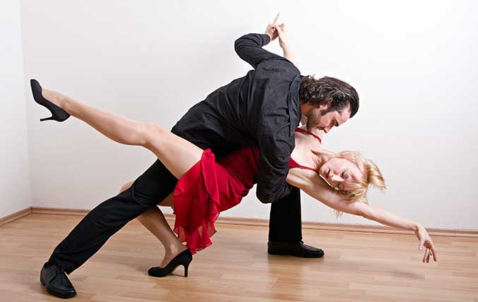 Dance Saturdays Cinco de Mayo - Salsa, Bachata, 4 Dance Lessons at 8:00p in San Francisco on 4 May